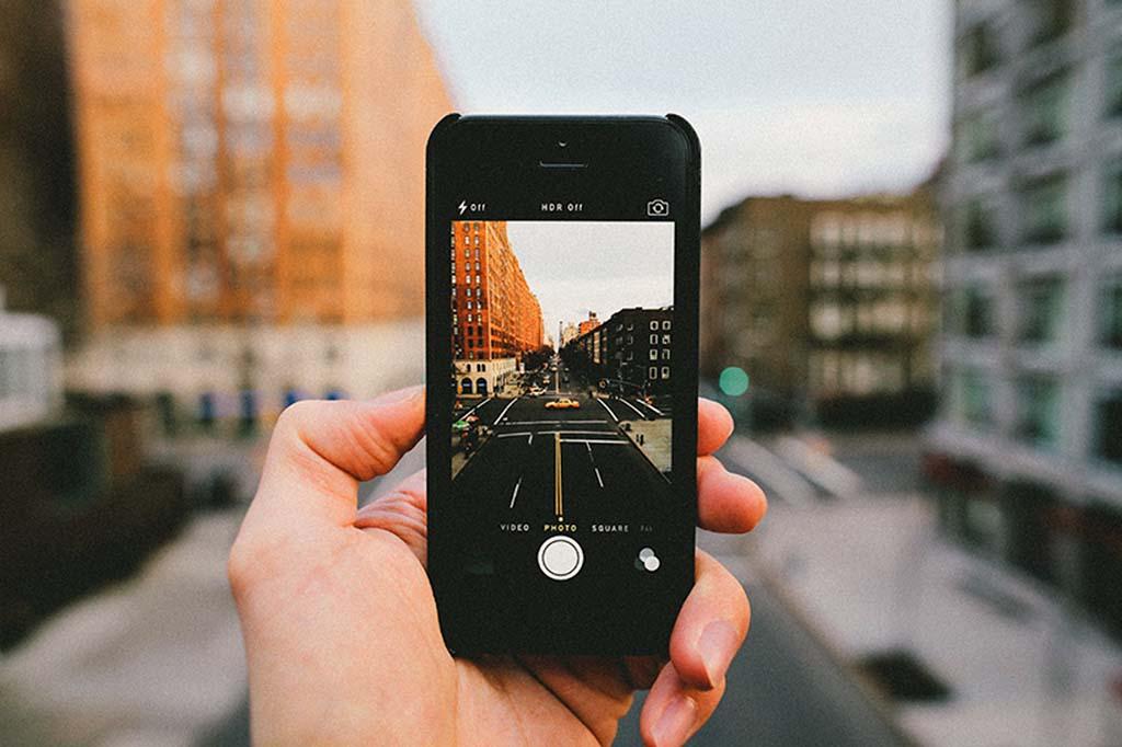 Fallosz-objektívek sutba: iPhone-nal készült fotókat díjaztak
