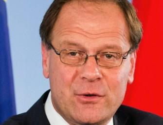 A relatív többség szerint Navracsics alkalmas EU-biztosnak