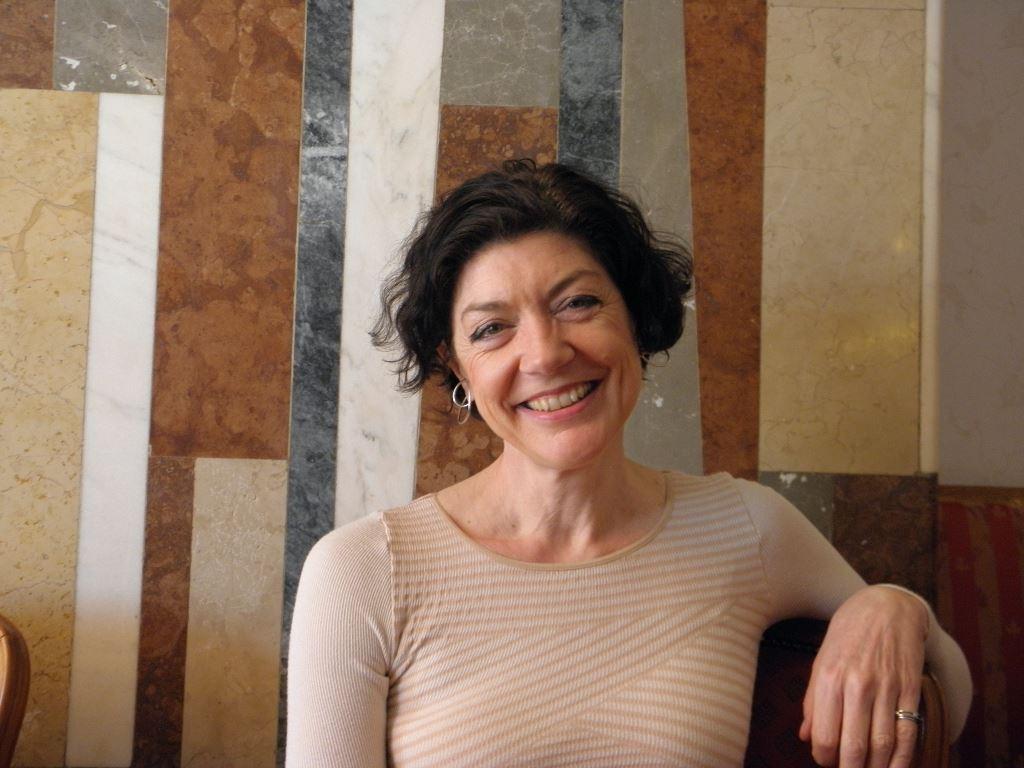 dán írónő