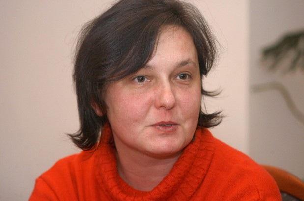 Dr. Szitár Katalin