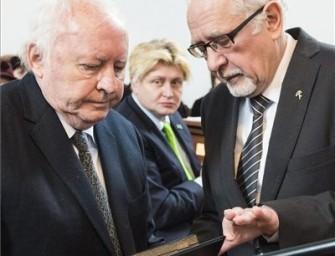 Ágh István kapta a Kölcsey-emlékplakettet