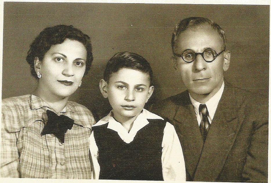 a-csalad-1949-marcius-25-en-angela-aminollah-ahamed