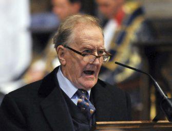 Elhunyt a mágiaügyi miniszter, Robert Hardy