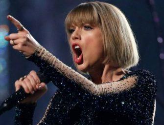 A szexuálisan megalázott énekesnő adományokkal segíti az áldozatokat
