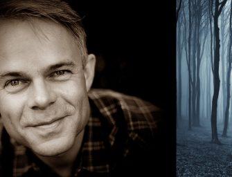 Miért rendezte esküvőjét Nagykovácsiban a norvég író, Tore Renberg?