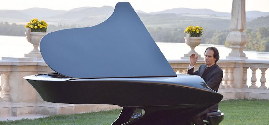 A Bogányi-zongora konstrukció szempontjából olyan, mint egy Tesla autó